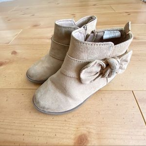 Gymboree Girls Tan Boots with Bow